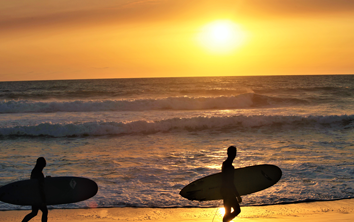 surfeurs sunset california surf school lacanau